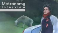 [インタビュー]<br />クラクソンズ、フランツ・フェルディナンドらのリミックスでも注目を集めるUKのエレクトロ・ポップ3人組、メトロノミー
