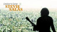 [インタビュー]<br />【スティーヴィー・サラス interview】噴出感と起爆力たっぷりのギターが炸裂!——豪華ゲストを迎えたカヴァー・アルバム