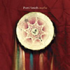 パティ・スミス、最新作はカヴァー集!ビートルズ、ディラン、ニルヴァーナ、TFF他
