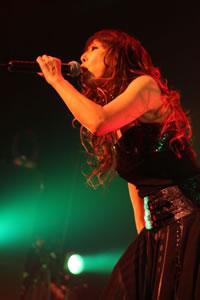 バービーボーイズ、ZEPP TOKYOにて白熱のライヴ! 新曲披露も