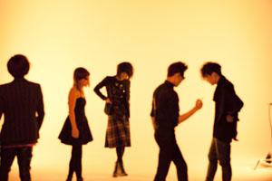 国内外から注目を集めるネオ・ゴシック・バンドPLASTICZOOMS、デビュー・アルバム『CHARM』発表&リリース・パーティ開催!!