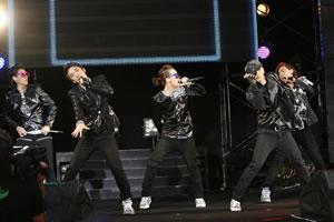 BIGBANG、代々木公園で8,000人を熱狂! アルバム・リリースも発表に