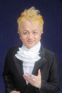 """ルーツは""""松田聖子""""! 米良美一がデビュー15周年、記念リサイタルを開催"""