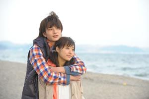 映画『僕の初恋をキミに捧ぐ』&主題歌「僕は君に恋をする」、Wで1位獲得!