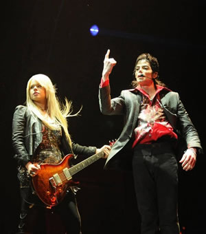 『THIS IS IT』出演の女性ギタリスト、オリアンティがプロモ来日!