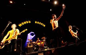 ザ・クロマニヨンズ、渋谷C.C.Lemonホールでライヴ! さらに初のライヴDVD発売も!