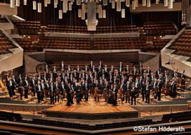 サイモン・ラトル、ベルリン・フィルの芸術監督兼首席指揮者として最後の来日公演開催が決定