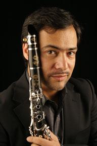 Hakuju Hallの〈ワンダフルoneアワー〉に超絶クラリネット奏者アレッサンドロ・カルボナーレが登場