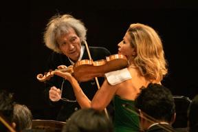 fbe36d73e4030 ドイツ・グラモフォン創立120周年を記念する小澤征爾出演のガラ・コンサート