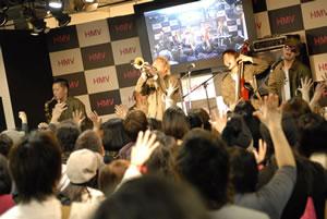 結成10周年を迎えたPE'Z、またもや渋谷ジャック!