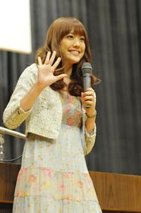 福田沙紀、一人だけのための卒業祝い&サプライズ・ライヴ!