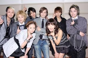 AAA、小室哲哉復帰第一弾で話題の新曲オリコン1位を獲得!