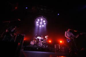 People In The Box、「Sky Mouth」ワンマン・ツアーの映像がライヴPVとして独占先行オンエア!
