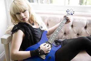 オリアンティの新曲が着うた(R)、着うたフル(R)でリリース! 待望のシグネイチャーモデルのギターも発売