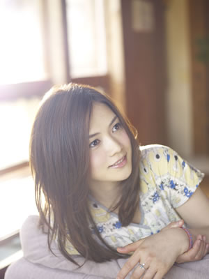 YUI(Sony Music Records)