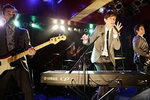 日米ピアノ・ロック・バンド共演! MELEEとWEAVER一夜限りのスペシャル・イベント!