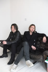 FEEDER、日本支援チャリティ・シングルをリリース