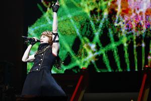 T.M.Revolution/西川、武道館公演でAKB48「ヘビーローテーション」振付けを完コピ!