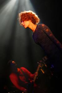 木村カエラのライヴ写真が「Showcase Prints」にて販売!