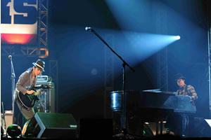 雅-MIYAVI-、<EMI ROCKS 2012>のステージでH ZETT M、KREVAと共演!