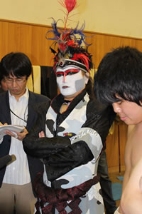デーモン閣下、早稲田大学の相撲部特別参与に就任