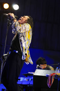 SION、日比谷野音でTHE MOGAMIと共に25曲を披露!