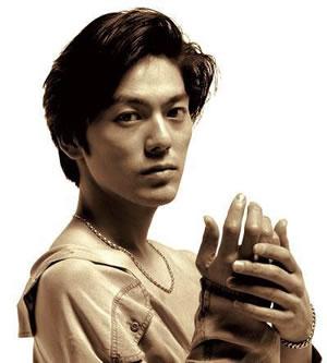 尾崎豊 尾崎豊1965年11月29日、東京都生まれ。高校在学中の82年、レコード... 尾崎豊