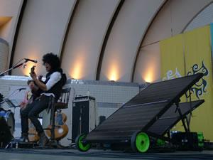 佐藤タイジが太陽光の電気を使ってライヴを開催