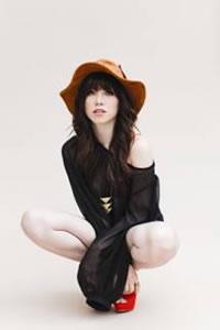 カーリー・レイ・ジェプセン最新MVで水中キスを披露、〈GirlsAward〉出演も決定