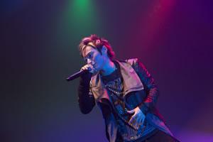 SKY-HIのソロ・ツアーがファイナルへ、KEITA(w-inds.)との話題曲を初披露!