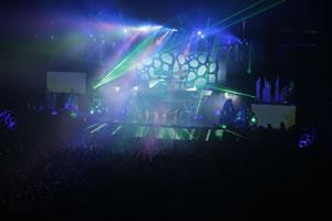 ももいろクローバーZ、ツアー〈5TH DIMENSION〉開幕!