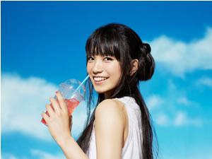『リッチマン、プアウーマンinニューヨーク』でオンエア、miwaの新曲「Delight」がレコチョク1位!