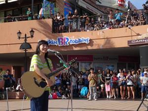 miwa、沖縄で6年ぶりにストリート・ライヴ開催!