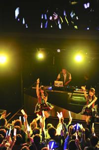 NMB48、「カモネギックス」発売を記念してクラブ・イベント開催