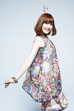 "May'nのシングル&アルバムが来年同時発売、""JAPAN&WORLD TOUR""開催"