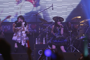 T.M.Revolution×水樹奈々、〈ANIME FESTIVAL ASIA 2013〉で海外初共演