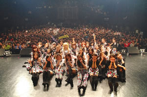 E-girlsがファン感謝イベント〈COLORFUL POP PARTY〉開催