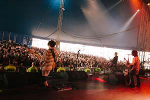 VAMPS、ロンドン開催〈Download Festival〉へ登場