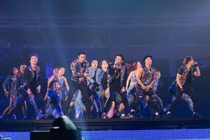 BIGBANG、2年連続の5大ドーム・ツアーが名古屋で開幕