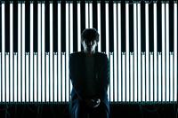 劇伴作家・澤野弘之のワンマンが開催決定、スタジオ・ライヴのネット生中継も