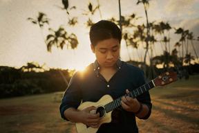 「テラスハウス」ハワイ篇の初期メンバー、Eden Kaiが講師を務めるウクレレ・ワークショップ開催