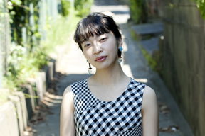 ヒグチアイ、新作MV「ラジオ体操」公開 バンド編成でのスペシャル・ライヴを9月に開催