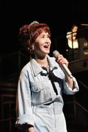 中島みゆき、音楽舞台〈夜会工場〉開幕 「慕情」川柳コンテストの受賞作品を発表