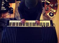 KOYAN MUSIC、ニュー・アルバムからSPYCETWOが手がけたMVを2作同時公開