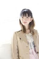 牧野由依、新録音源含む初のセレクト・アルバム『UP!!!!』を3月にリリース