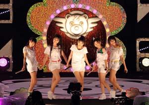 ももいろクローバーZが東京・よみうりランドで野外ライヴ! クリスマスには、さいたまスーパーアリーナ公演も決定!