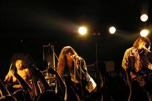 衝撃の解散声明から約1ヵ月、毛皮のマリーズ、ラスト・ツアーがついに開幕!