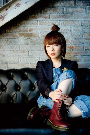 aiko、シングル「ずっと」MV完成! 憧れのTHE COLLECTORSギタリスト、古市コータローも登場!