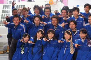 ももいろクローバーZが大田区の工場で新曲キャンペーン!