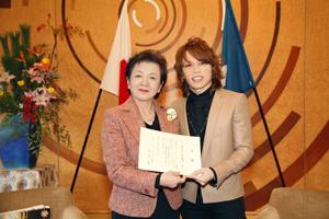 西川貴教、「イナズマロック フェス 2011」収益金の一部を滋賀県と草津市に寄付